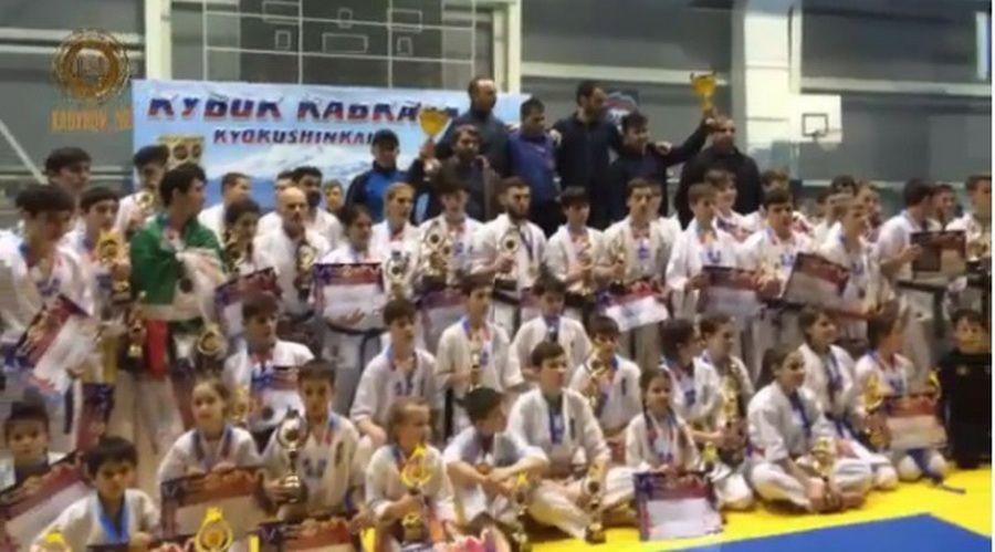 Рамзан Кадыров поздравил чеченских спортсменов с победой на соревнованиях по каратэ киокушинкай
