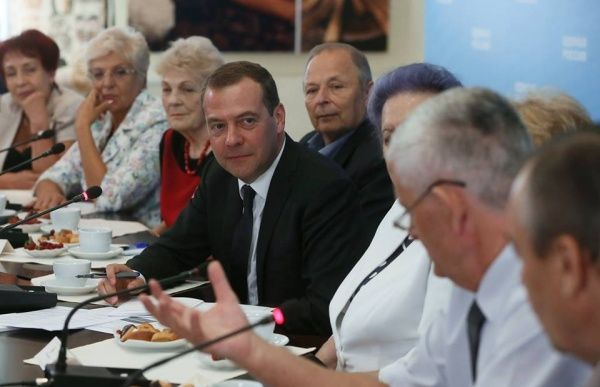Дмитрий Медведев утвердил индексацию социальных пенсий