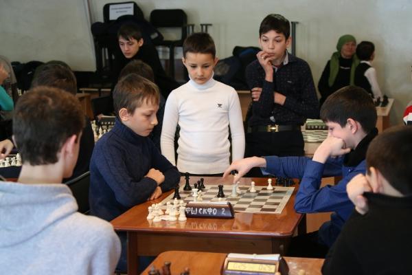 В Грозном проходит республиканский чемпионат по шахматам