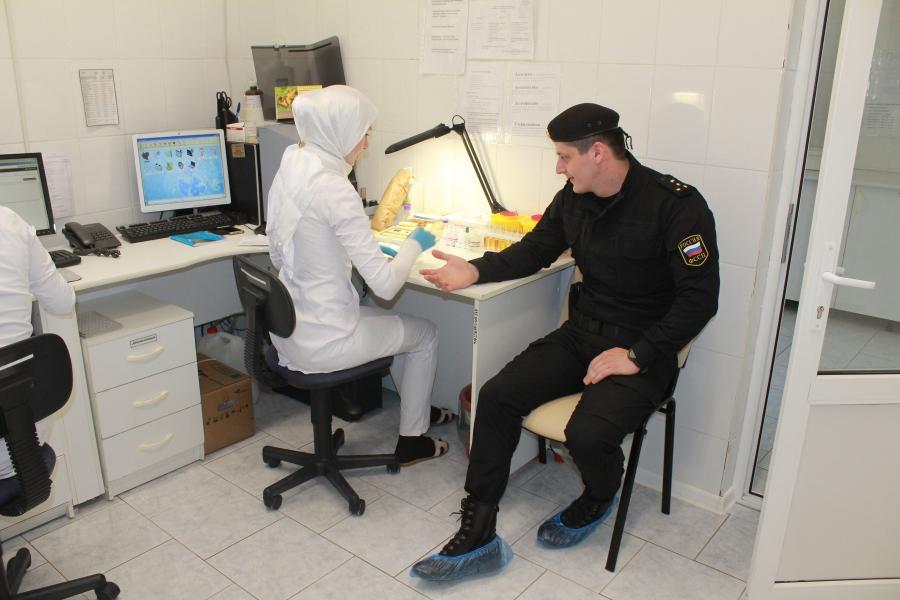 Чеченские  судебные  приставы  организовали   благотворительную акцию  по  сдаче  крови