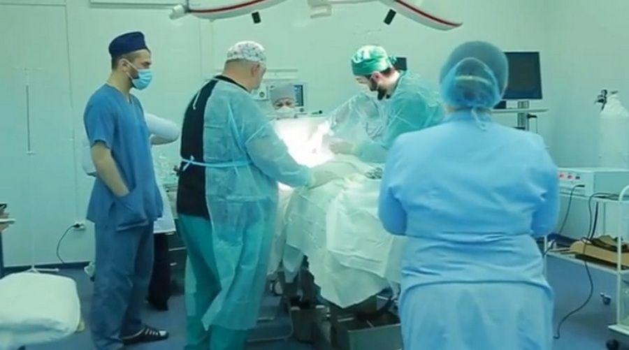 В противотуберкулёзном диспансере Грозного провели редкую операцию