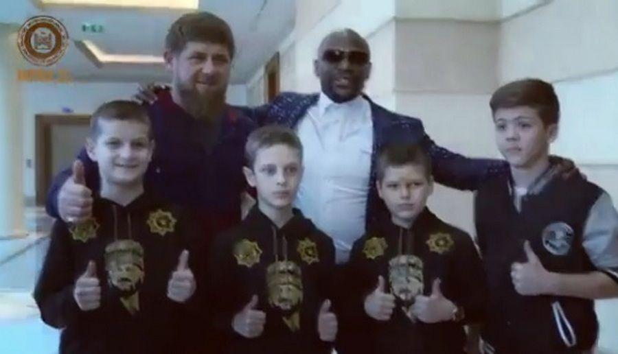 Чечню посетил  Флойд Мэйуэзер-младший