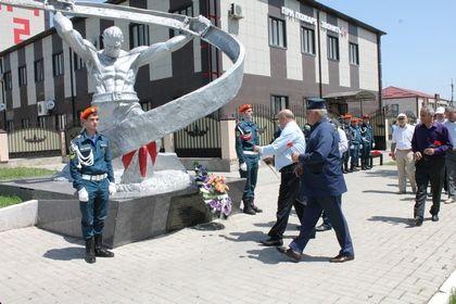 Активисты ОНФ в Чечне приняли участие в мероприятиях, приуроченных к Дню памяти и скорби