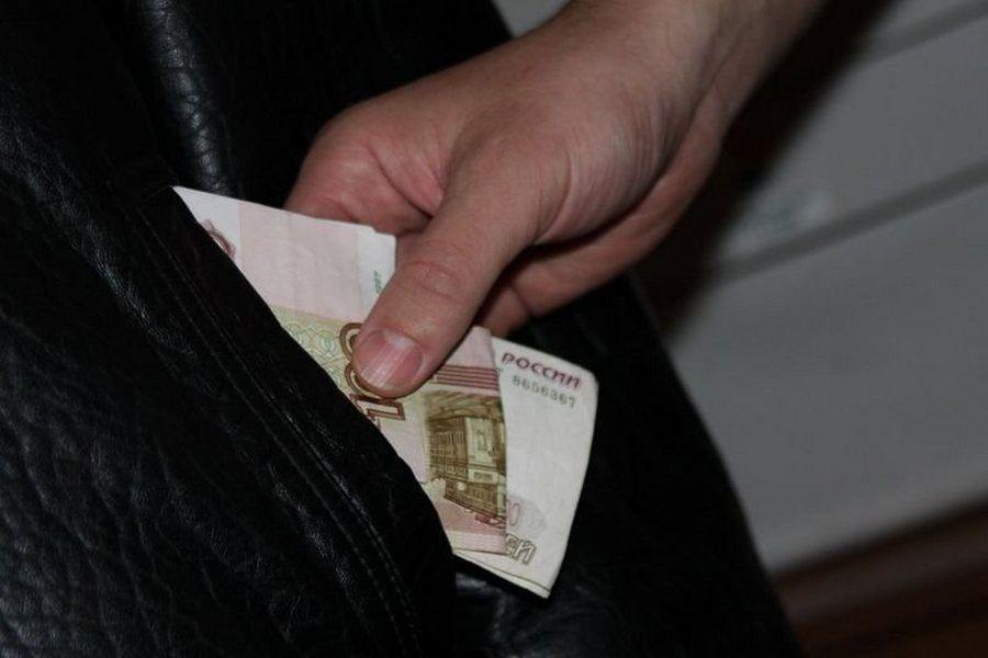 В Чечне мужчина сознался в краже 3 тысяч рублей