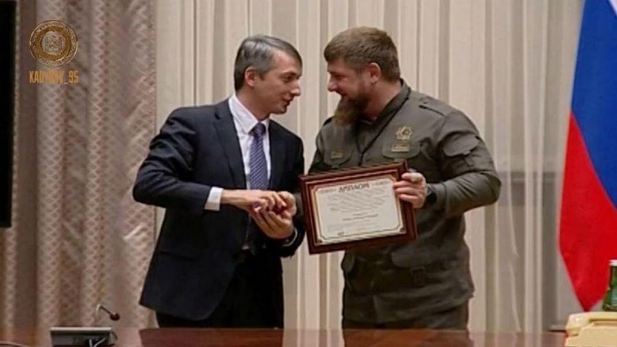 Эльхан Сулейманов вручил Главе Чечни золотую медаль имени Н.Н.Блохина