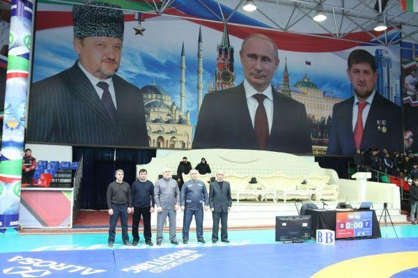 В Грозном определились претенденты на участие в первенстве СКФО по вольной борьбе