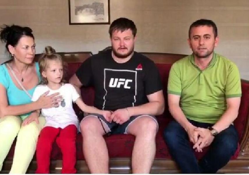 Шестилетнюю дочь задержанной вТурции женщины передали отцу в Российскую Федерацию - Кадыров