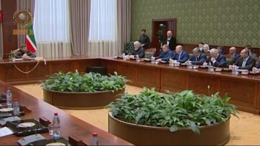 Рамзан Кадыров провел совещание по вопросам повышения качества услуг МФЦ и улучшения взаимодействия с ГИС ГМП