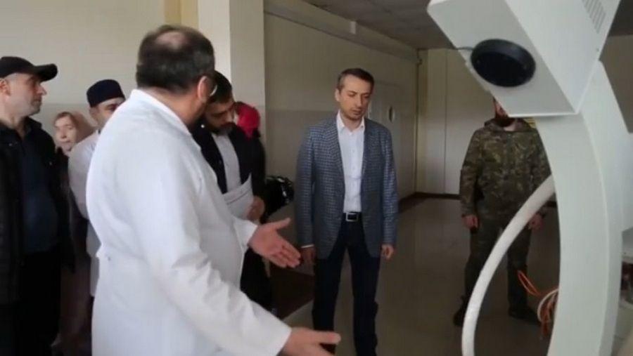 Эльхан Сулейманов проинспектировал грозненские больницы