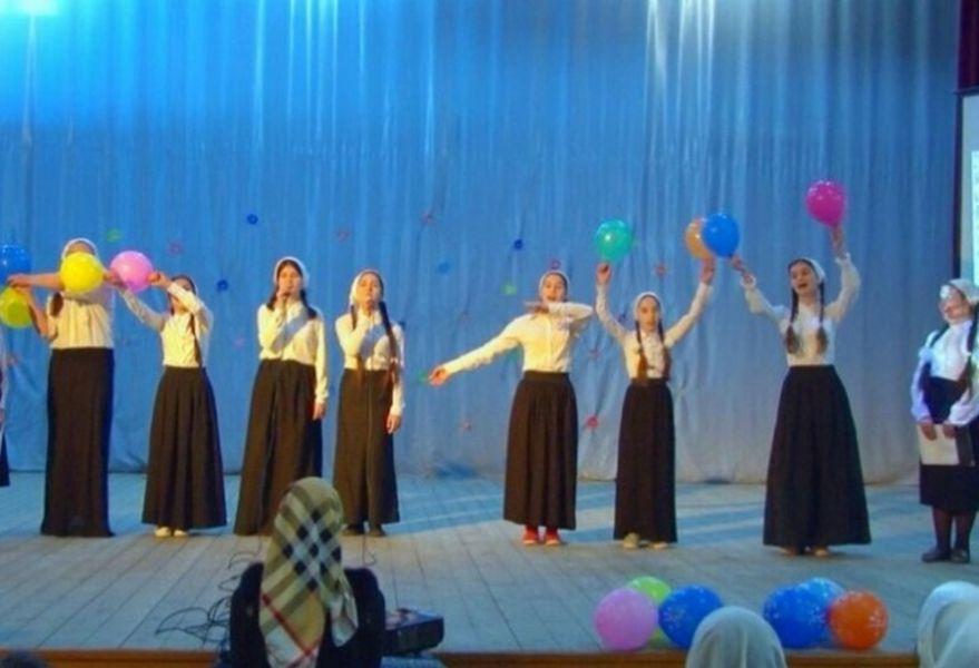 В с. Алхан-Кала отпраздновали Международный день солидарности молодежи