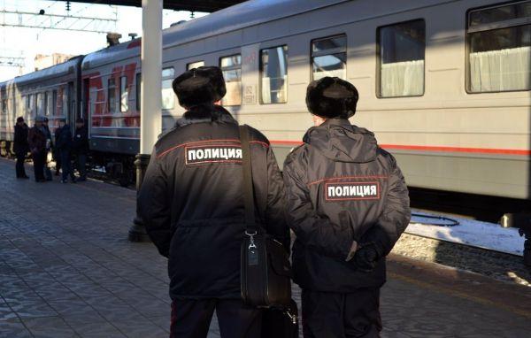 Сотрудники транспортной полиции раскрыли кражу, совершенную в пассажирском поезде