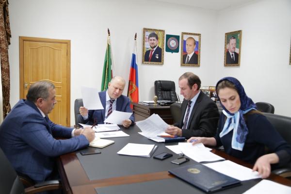 Галас Таймасханов провел совещание по вопросу реализации приоритетного инвестиционного проекта ЧР