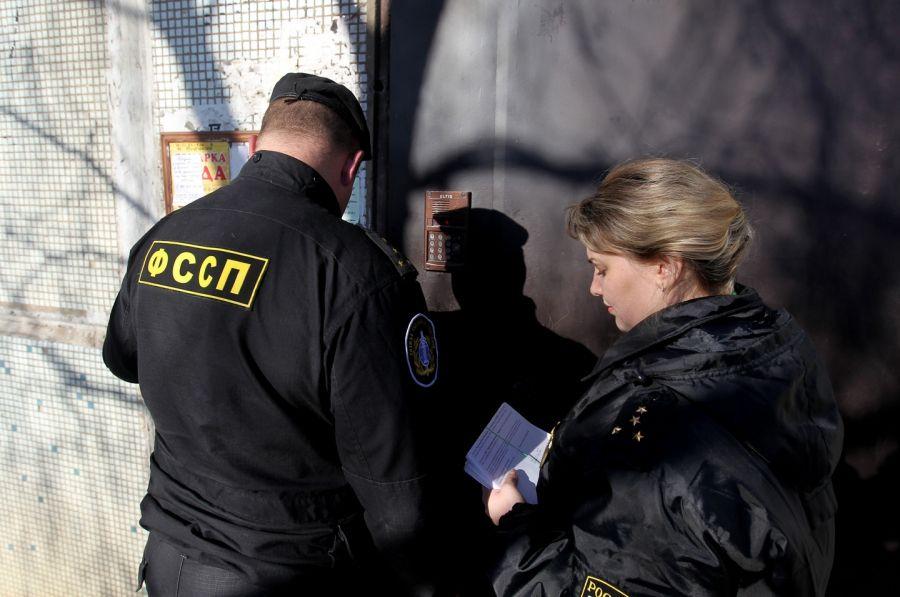 ФССП может простить россиянам около триллиона руб. банковских долгов