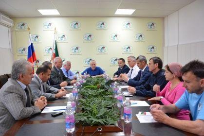 На фото: Члены Избирательной комиссии Чеченской Республики