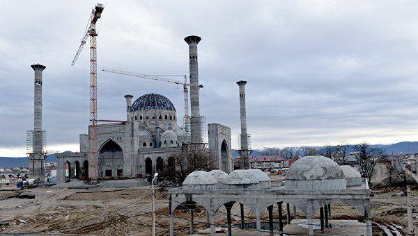 В Шали продолжается строительство мечети им. Рамзана Кадырова