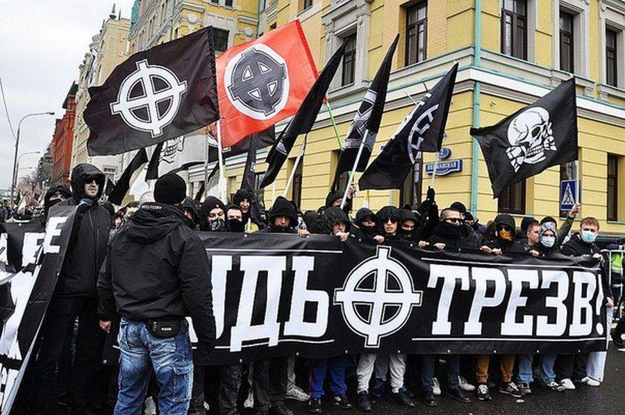 ВПетербурге настанции метро «Балтийская» 5 человек устроили массовую драку