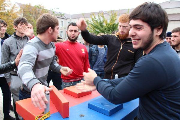 Команда Грозненского политехнического техникума выиграла республиканскую спартакиаду
