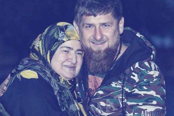 Р.Кадыров поздравил женщин России с Днем матери