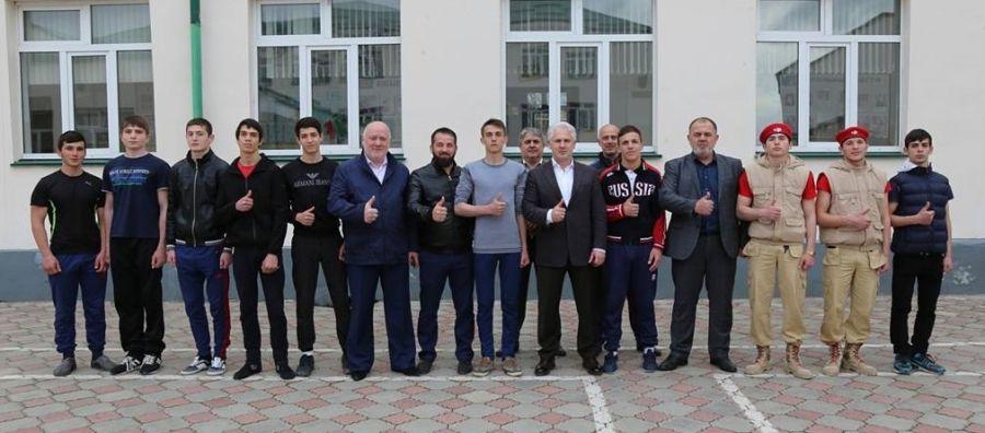 Грозненские старшеклассники участвуют в военно-патриотической игре «Наша сила в единстве!»