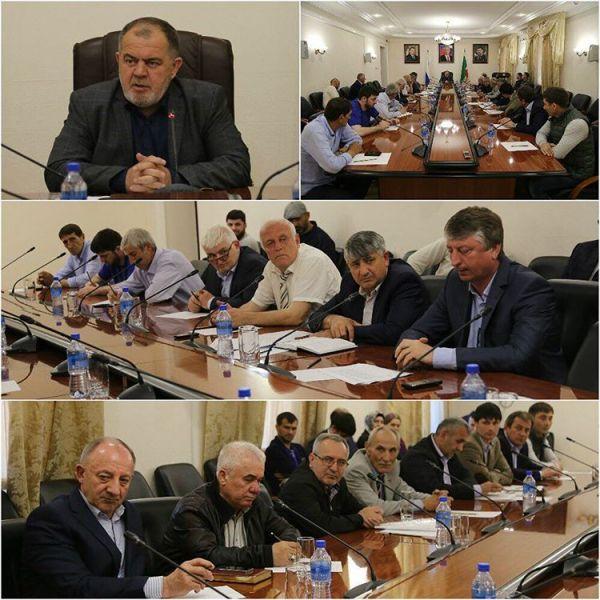 В Грозном обсудили итоги работы управляющих компаний по сбором платежей за ЖКУ