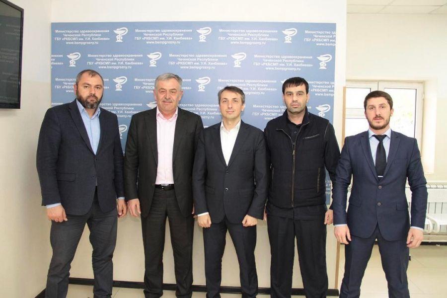 Вице-премьер ЧР и руководство Минздрава Чечни проинспектировали 9 городскую больницу