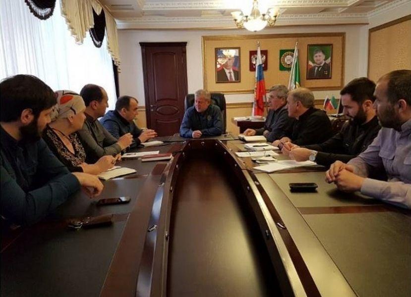 Глава администрации Грозненского муниципального района провел совещание с заместителями