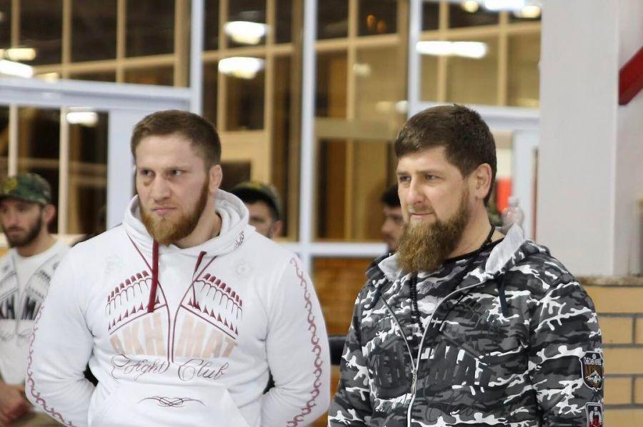 Житель россии Угуев завоевал бронзуЧЕ повольной борьбе