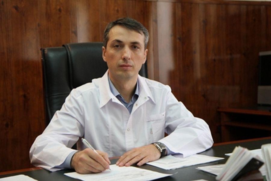Р. Кадыров поздравил с днем рождения Министра здравоохранения ЧР Эльхана Сулейманова