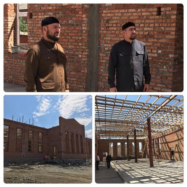 Кадий Гудермесского района проинспектировал строительство мечети в Дарбанхи