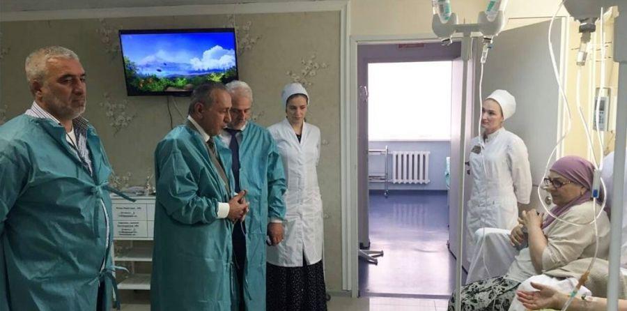 Депутаты провели мониторинг соблюдения законодательства в Республиканском онкодиспансере