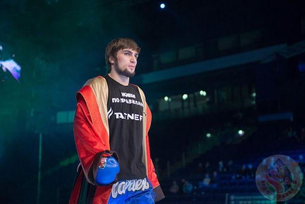 В аэропорту Грозного встретили победителя турнира WBK Сайфуллах Хамбахадова