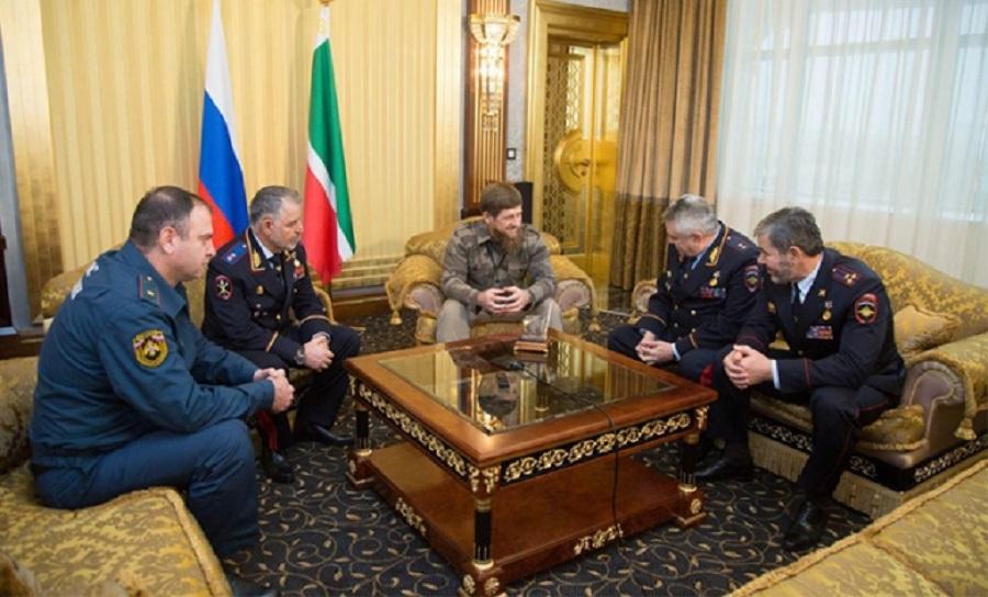 Глава Чечни поздравил работников транспортной полиции РФ с профессиональным праздником