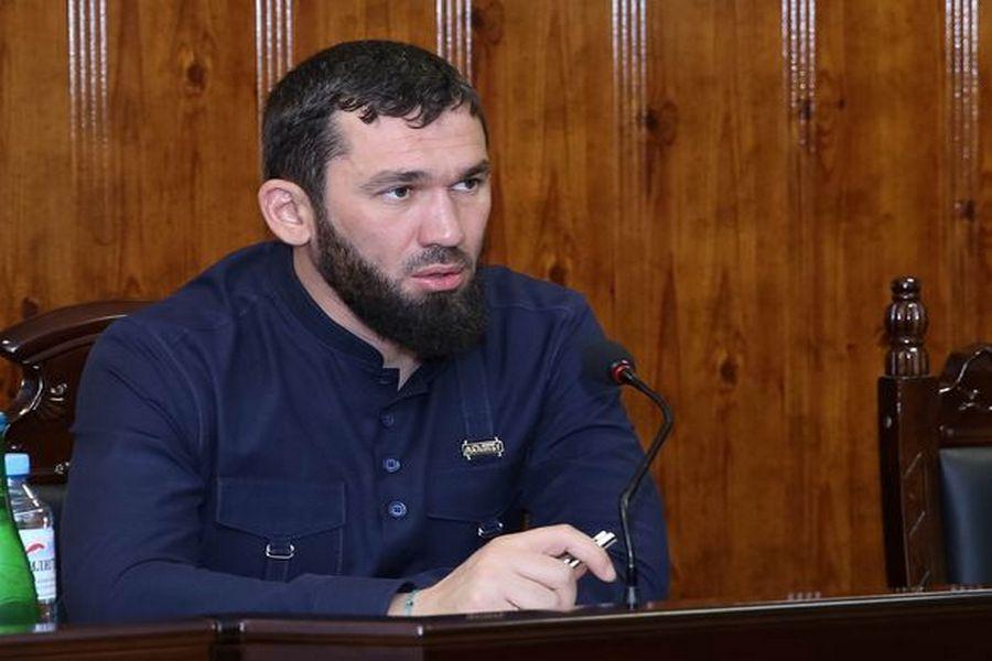 Магомед Даудов призвал усилить работу по снижению аварийности на дорогах Чечни