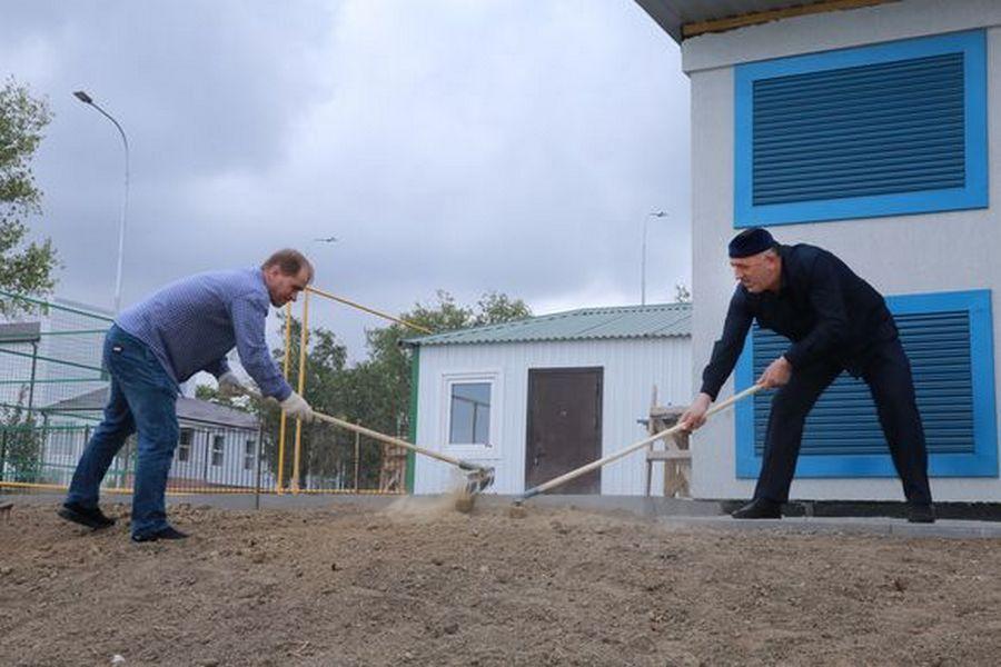 Парламент Чечни провёл субботник в поселке Ойсхара