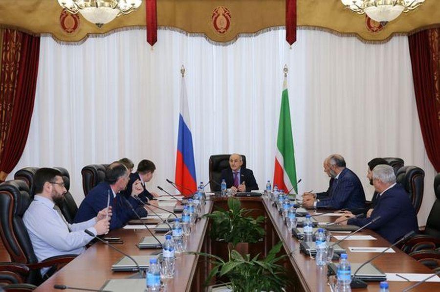 В Парламенте ЧР провели заседание Комитета по бюджету, банкам и налогам