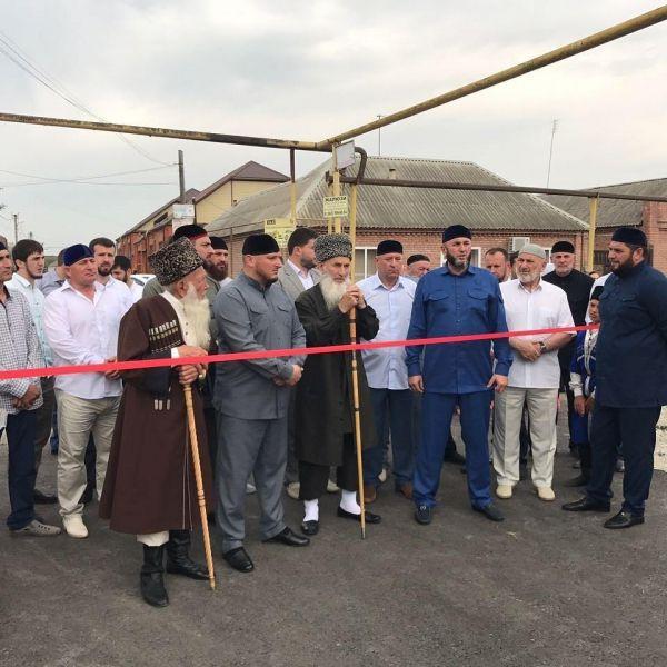 Кадий Урус-Мартановского района принял участие в открытии новой дороги в селе Гойты