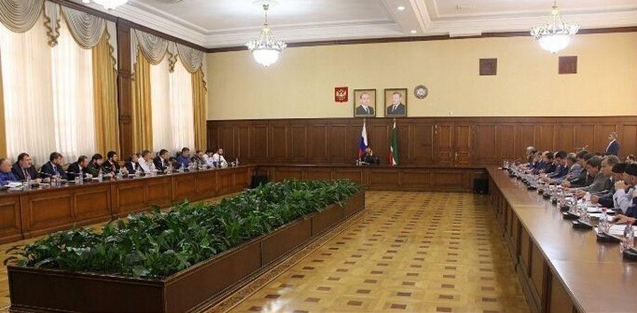 Председатель Правительства ЧР провел расширенное совещание в Грозном