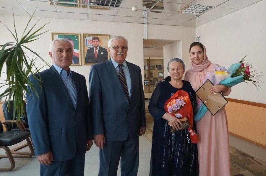 Выпускница ЧГПУ победила в литературном конкурсе, посвященном 80-летию Шимы Окуева
