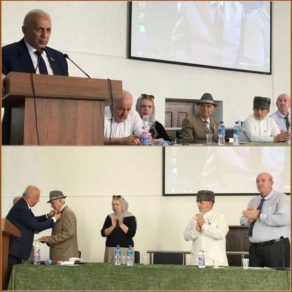В столице Чечни отметили 80-летний юбилей профессора Хамзата Гакаева