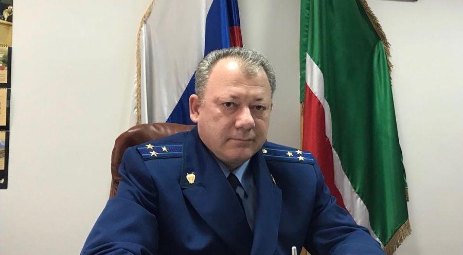 По ходатайству прокурора ЧР продлены полномочия прокурора Ножай-Юртовского района