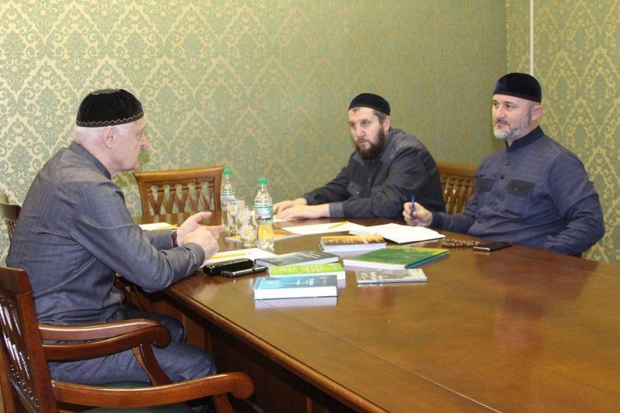 Заммуфтия ЧР встретился с представителем Главы ЧР в Свердловской области
