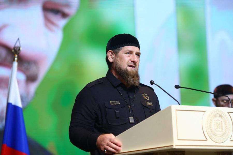 Чеченка назвала Кадырова обиженной собакой ипотребовала остановить похищения геев