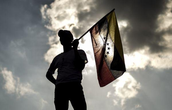 В Венесуэле власти и оппозиция начнут переговоры 30 октября
