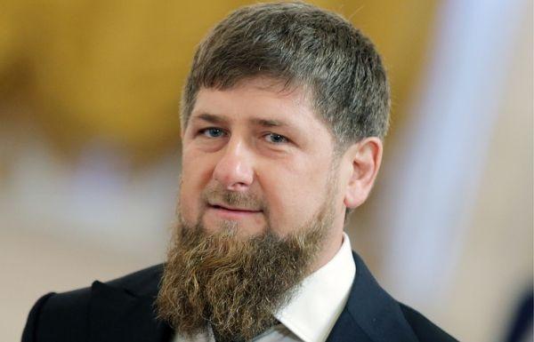 Кадыров: зарубежные террористические центры хотят влиять на молодежь через соцсети