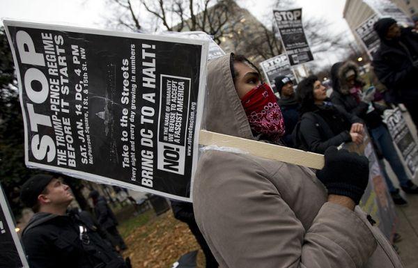 СМИ: в США прошли акции протеста против планов Трампа в области миграции
