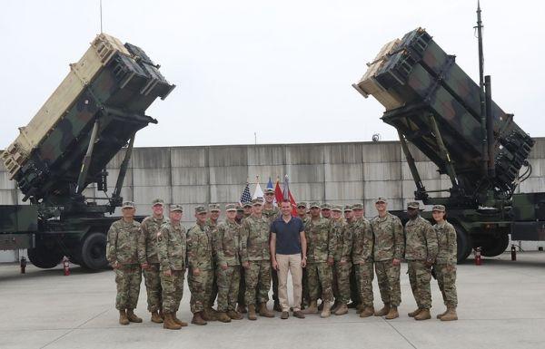 Первые части американской батареи ПРО THAAD доставлены в Республику Корея