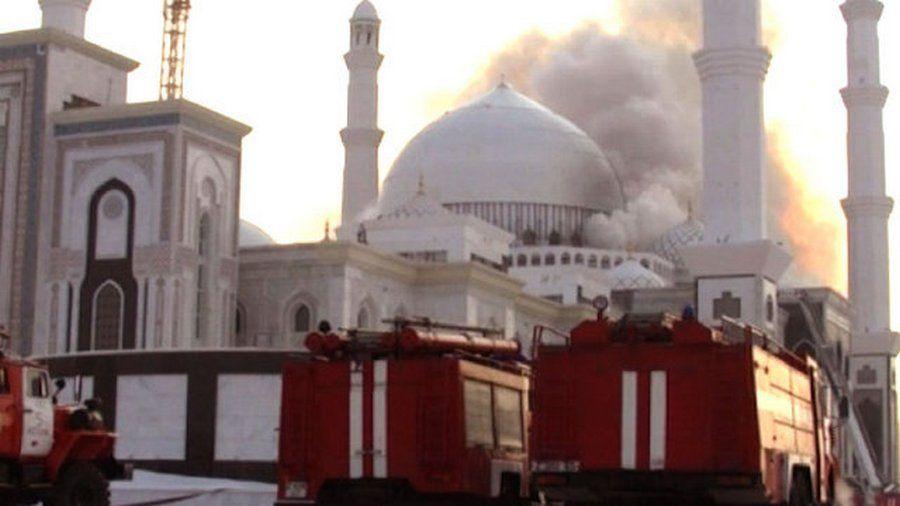 В Швеции сожгли крупнейшую мечеть