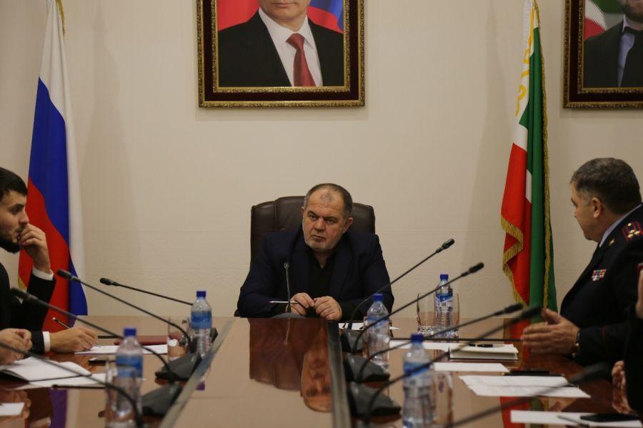 В Грозном обсудили вопросы борьбы с попрошайничеством и вандализмом