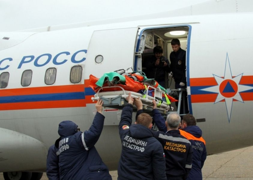 Спецборт МЧС России эвакуировал двоих тяжелобольных из Грозного в Нижний Новгород и Санкт-Петербург