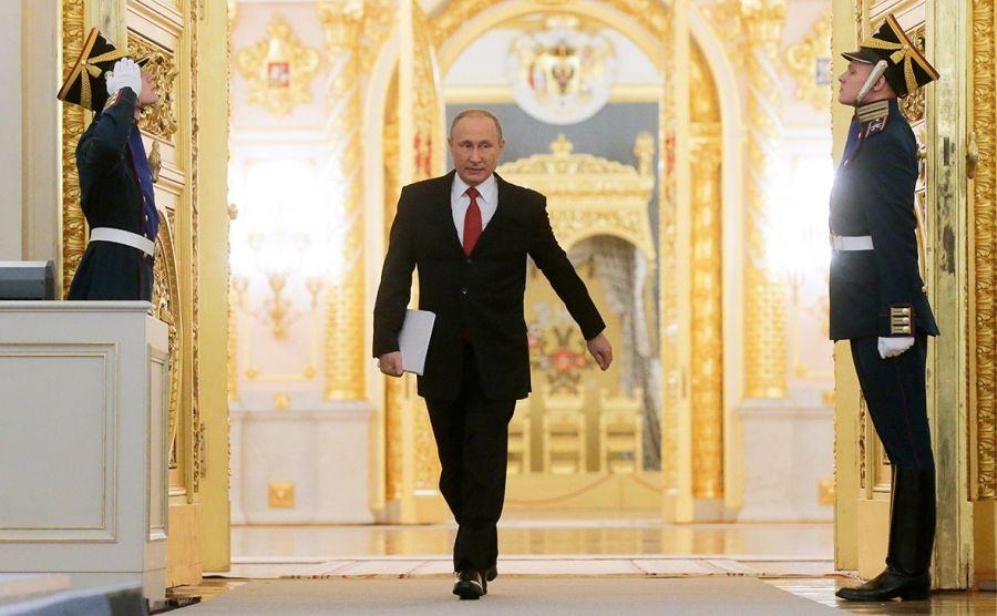 Кремль прокомментировал перенос послания Путина Федеральному собранию